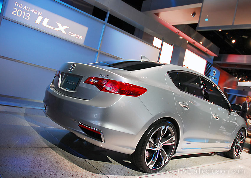 Acura ILX (2013)