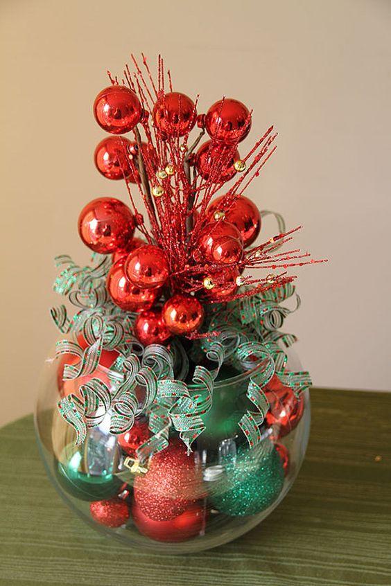 15 ideas hermosas para hacer centros de mesa navide os - Ideas para hacer adornos navidenos ...