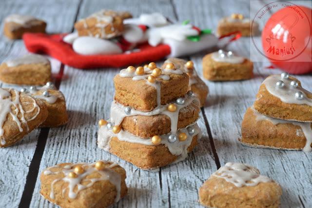 Pierniczki świąteczne z lukrem