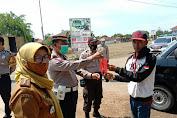 Kapolsek Pagaden Lakukan Patroli Sosialisasi Kesadaran Dan Kewajiban Menggunakan Masker di Kecamatan Pagaden Barat