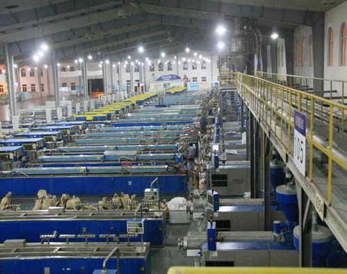 Kapasitas pabrik pembuatan kusen upvc conch di Cina