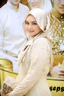 Dato Siti Nurhaliza - Hari Kemenangan mp3 Download (4.01 MB)