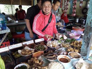 Andalan Kuliner Khas Kuningan, Nasi Kasreng yang Menggugah Selera