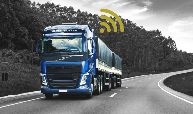 Volvo atinge a marca de 100 mil veículos comerciais conectados na América Latina