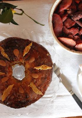 Cuillère et saladier : Brioche de rois à la fleur d'oranger et aux écorces d'orange confites (vegan)