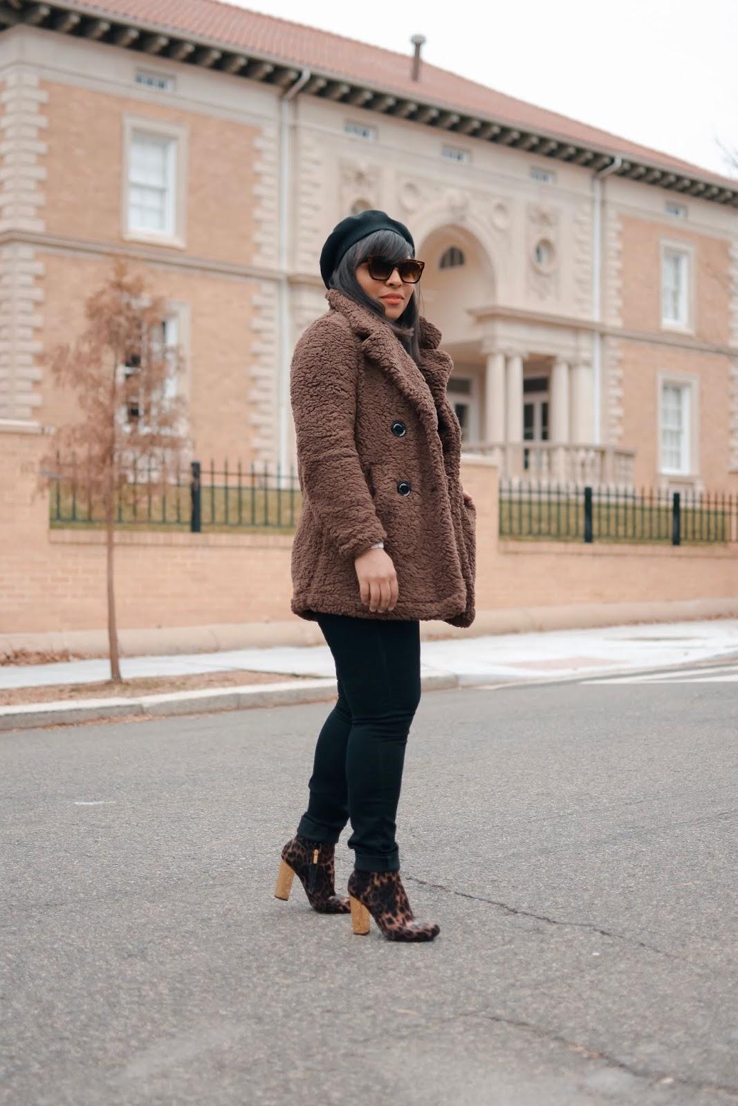 teddy bear coat trend, teddy coat, pixir coat, mom bloggers, fashionble moms, trendy moms, streetstyle