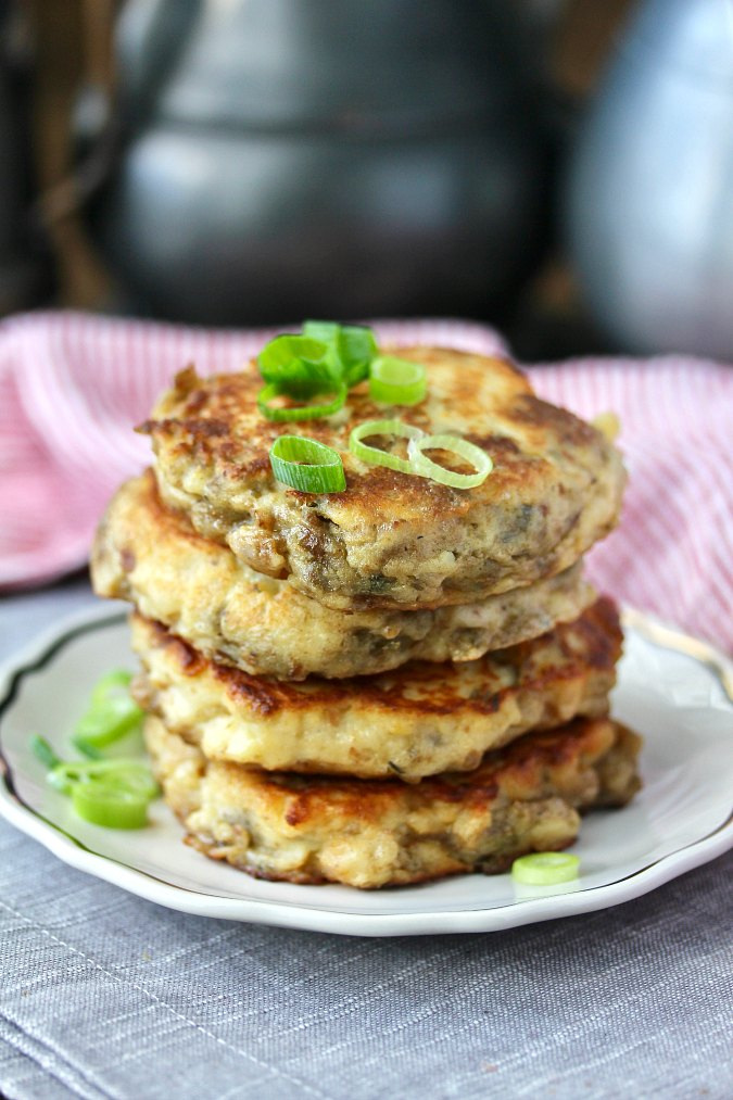 Thanksgiving Leftover Mashed Potatoes and Stuffing Pancakes