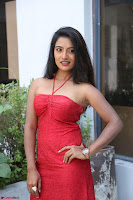 Mamatha sizzles in red Gown at Katrina Karina Madhyalo Kamal Haasan movie Launch event 202.JPG