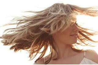 Σωθήκαμε: Έτσι καθυστερεί η επανεμφάνιση των λευκών μαλλιών
