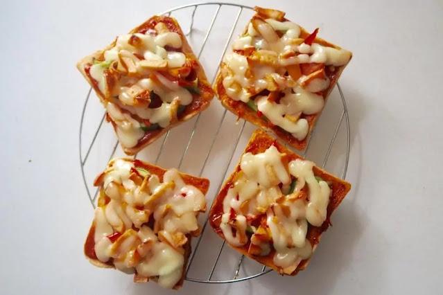 Bread Pizza Recipe in Hindi