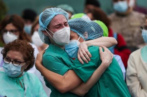 الاحتفالات تعمّ إسبانيا بعد 3 شهور من الحرب على فيروس كورونا