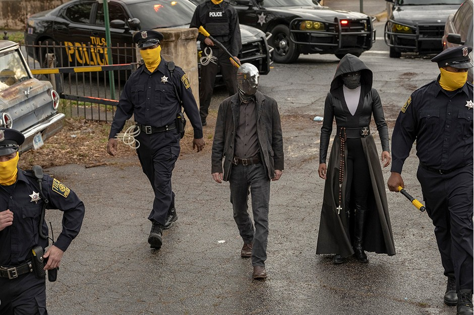 "HBO's ""Watchmen"" Is The Best And Trending TV Show Right Now"