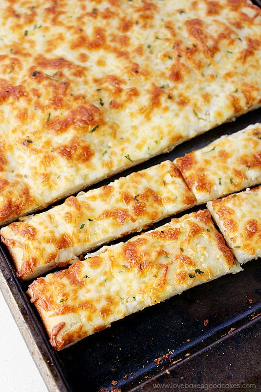 CHEESY BREADSTICKS #recipes #dinnerrecipes #funrecipestomakefordinner #food #foodporn #healthy #yummy #instafood #foodie #delicious #dinner #breakfast #dessert #lunch #vegan #cake #eatclean #homemade #diet #healthyfood #cleaneating #foodstagram
