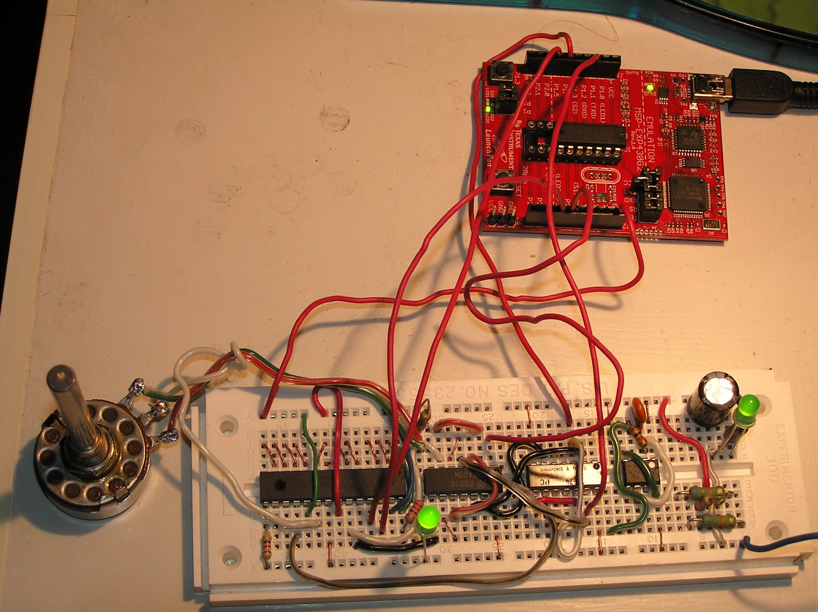 Dreamlayers My Msp430 Based Rgb Light Tlc5940 Circuit With Usb Hub Power First Design Used A 7474 Dual D Type Flip Flop In Toggle Configuration Generated Smclk 2 And I The Clr Input To Extend Gsclk Cycle