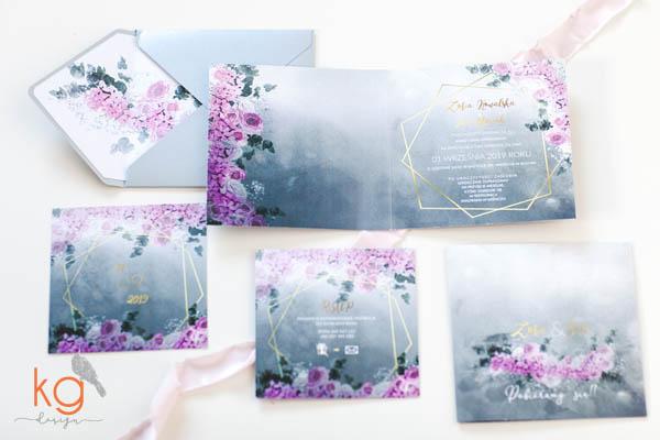 zaproszenia ślubne , geometryczne, kwiatowe, nowoczesne, z ramką, zaproszenia szaro-rozowe, wstążka materiałowa, targana, srebrna koperta, koperta z wyklejką,  srebrno-złote, srebrno-rózowe, projekt indywidualny, miętowo-różowe zaproszenia, miętowo-złote, papeteria ślubna, poligrafia ślubna, nietypowe zaproszenia, oryginalne zaproszenia, zaproszenie na wesele, zaproszenie na slub,