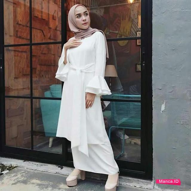 setelan hijab modern putih