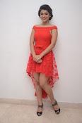 Yamini bhaskar new glam pics-thumbnail-4