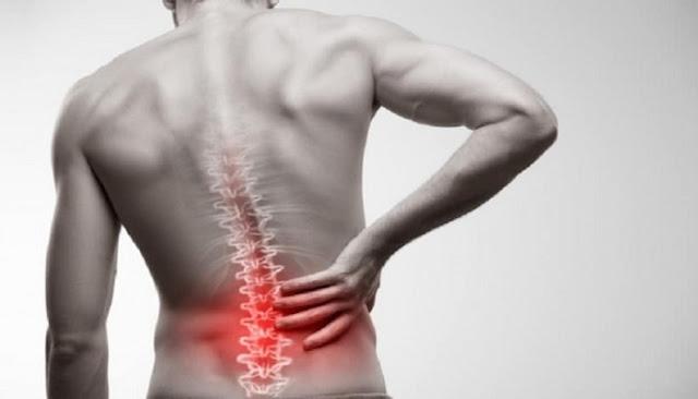 8 τροφές που μειώνουν τους πόνους στη μέση