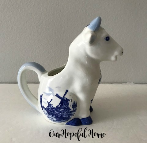 Delft Blue Cow creamer hand painted Holland windmill