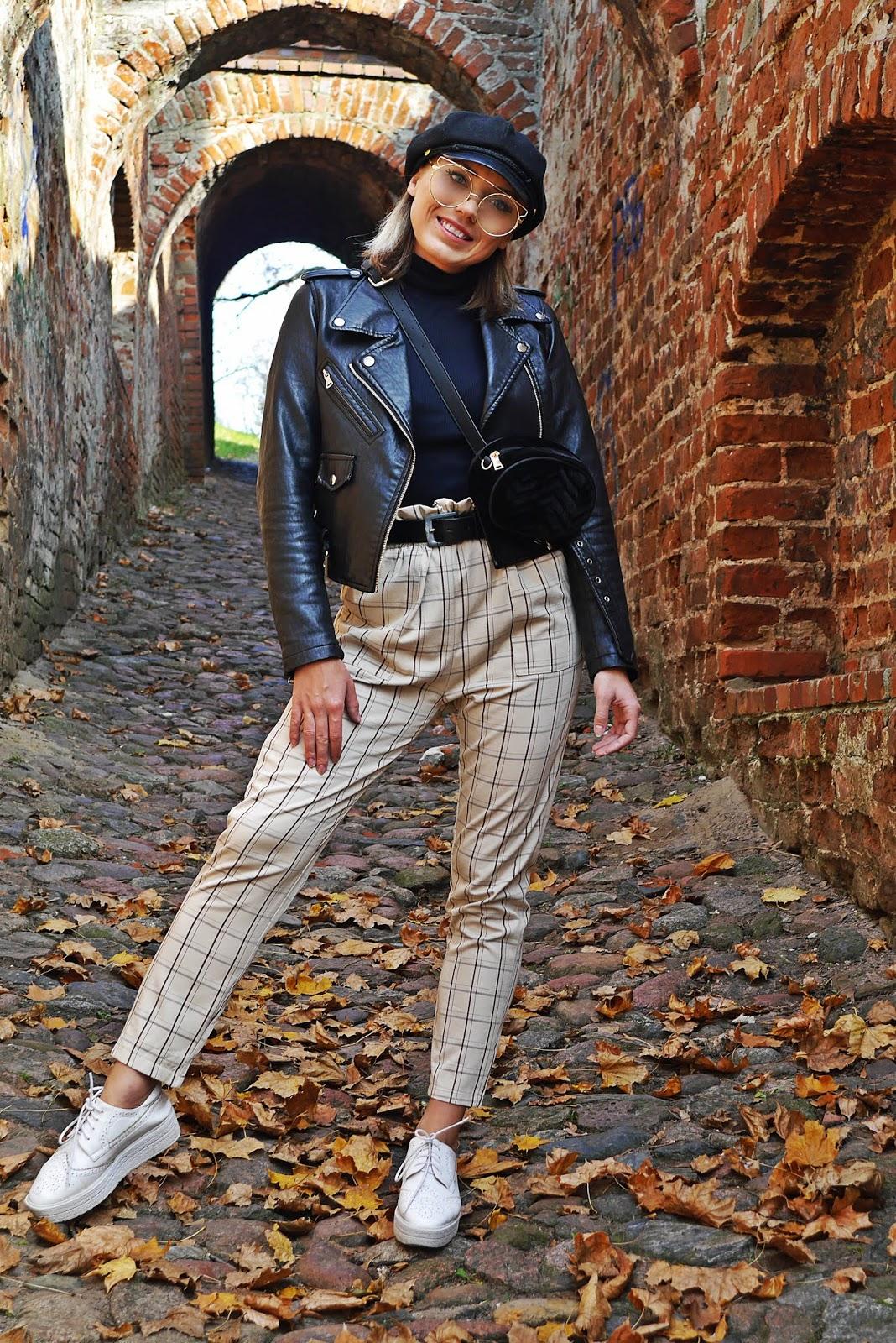 Spodnie w kratę czarna ramoneska czapka z daszkiem karyn blog modowy modowe stylizacje blog modowy damski