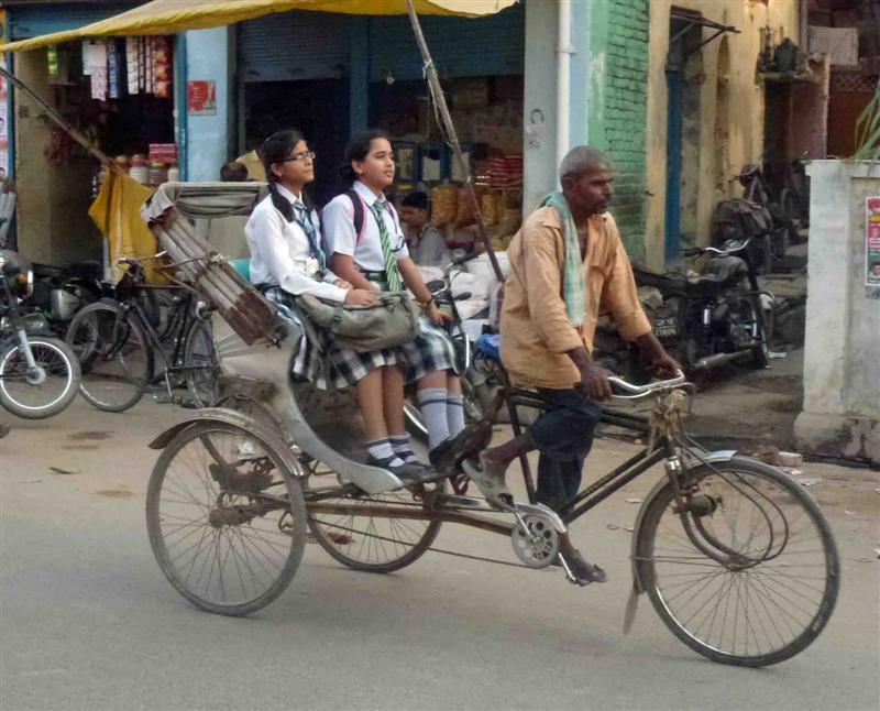 Рикшы в городе Варанаси, Индия