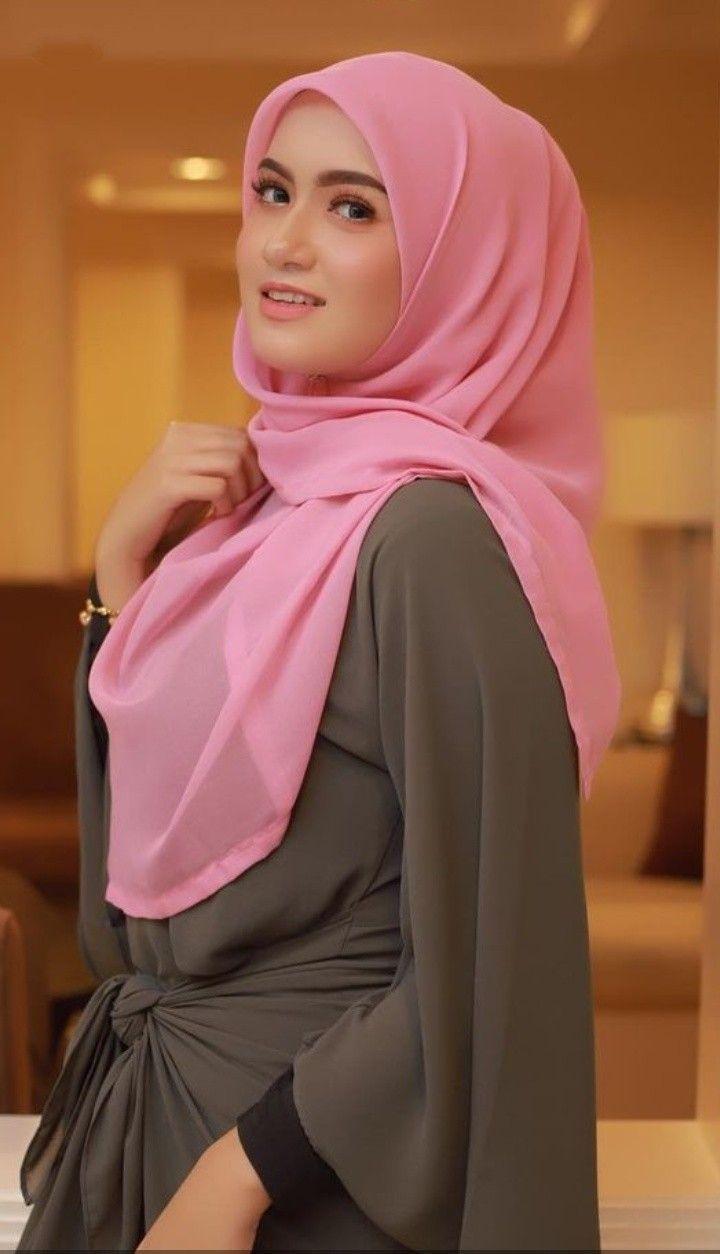 model hijab pink terbaru