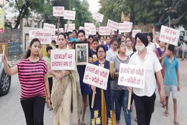 ballabhgarh-sector-3-leeja-murder-case-candle-march-parag-sharma