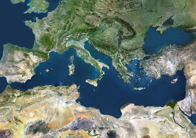 Η ελληνική διπλωματία και ο πόλεμος των ΑΟΖ