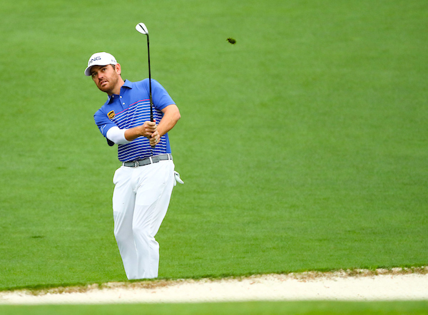 Louis Oosthuizen chips on to the green