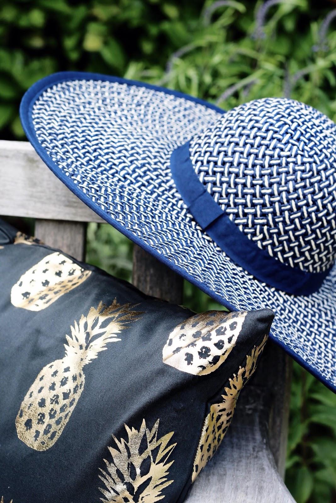 Wide Brim Patterned Blue Hat