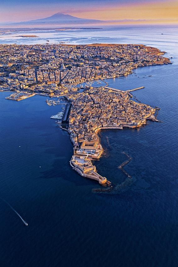 Siracusa y el etna. Sicilia
