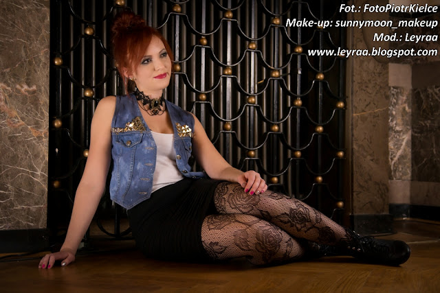 7.12.2016 Kamizelka z ćwiekami DIY, bokserka, bandażowa mini, botki, koronkowe rajstopy, choker, Sesja WDK Kielce Goth Style Glamour make-up