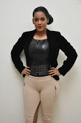 Mumaith Khan latest sizzling photos-thumbnail-15