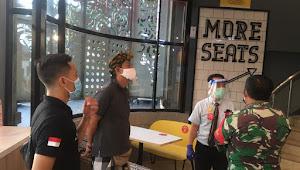 Memasuki Tatanan Normal Baru, Kelurahan Sanur Berikan Edukasi Protokol Kesehatan Berniaga Kepada Pelaku Usaha