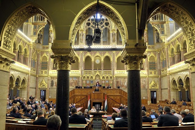 Megszavazta az Országgyűlés az uniós gazdasági csomagról szóló javaslatot