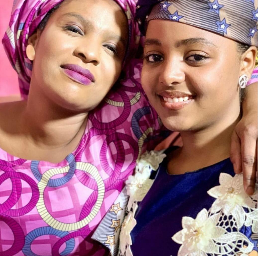 Cikakken Bayanin Yadda Za'a Magance Maikon Fuska (Oily Face)