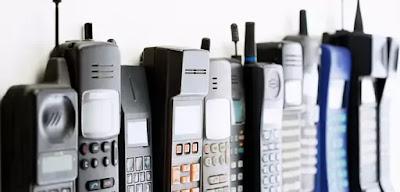 Telepon Yang Mewakili Teknologi Zamannya