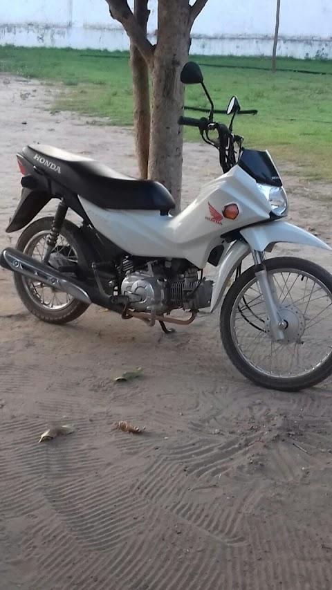 Policia de Anapurus recupera moto roubada.