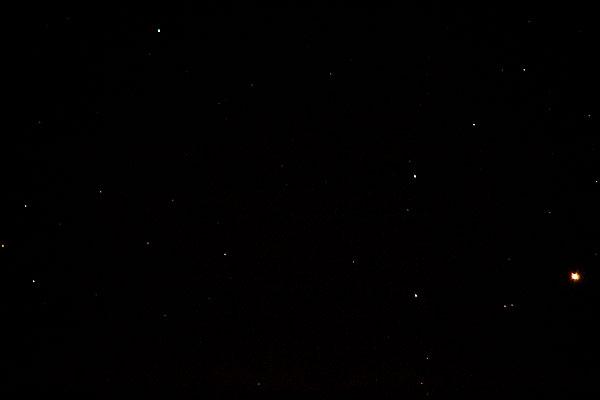 Mars, bottom right, and Uranus, top left, DSLR, 500mm, 1 second (Source: Palmia Observatory)