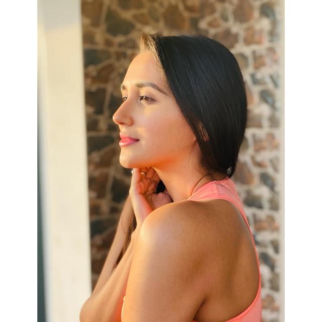 Indian Actress Nikita Dutta Hot and Sexy Photos Actress Trend