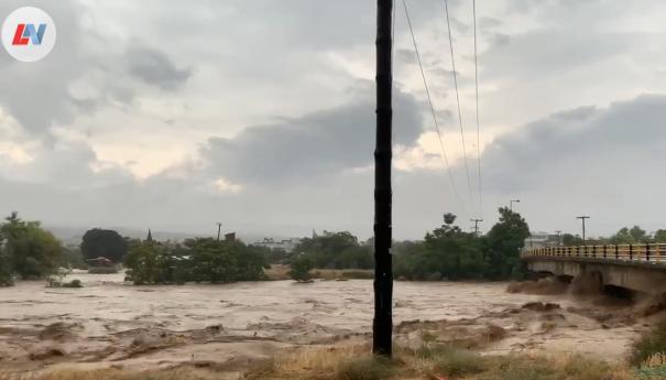 Συγκλονίζουν οι εικόνες καταστροφής στην Εύβοια οι δρόμοι έγιναν ποτάμια