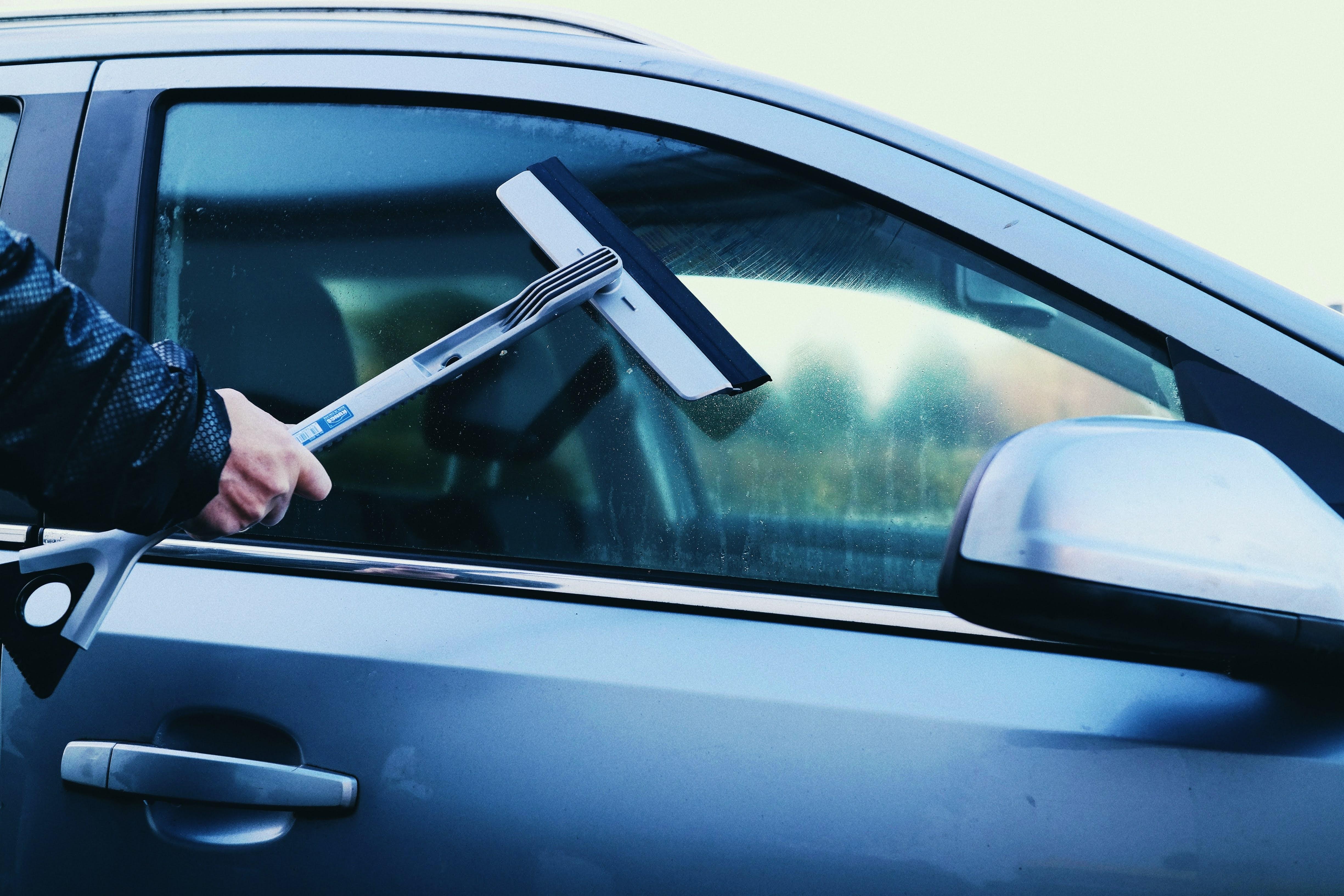 KUNGS AQUA-IS Abzieher mit Eiskratzer | Das neue Wintergadget für dein Auto
