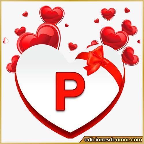 corazones volando con letra P