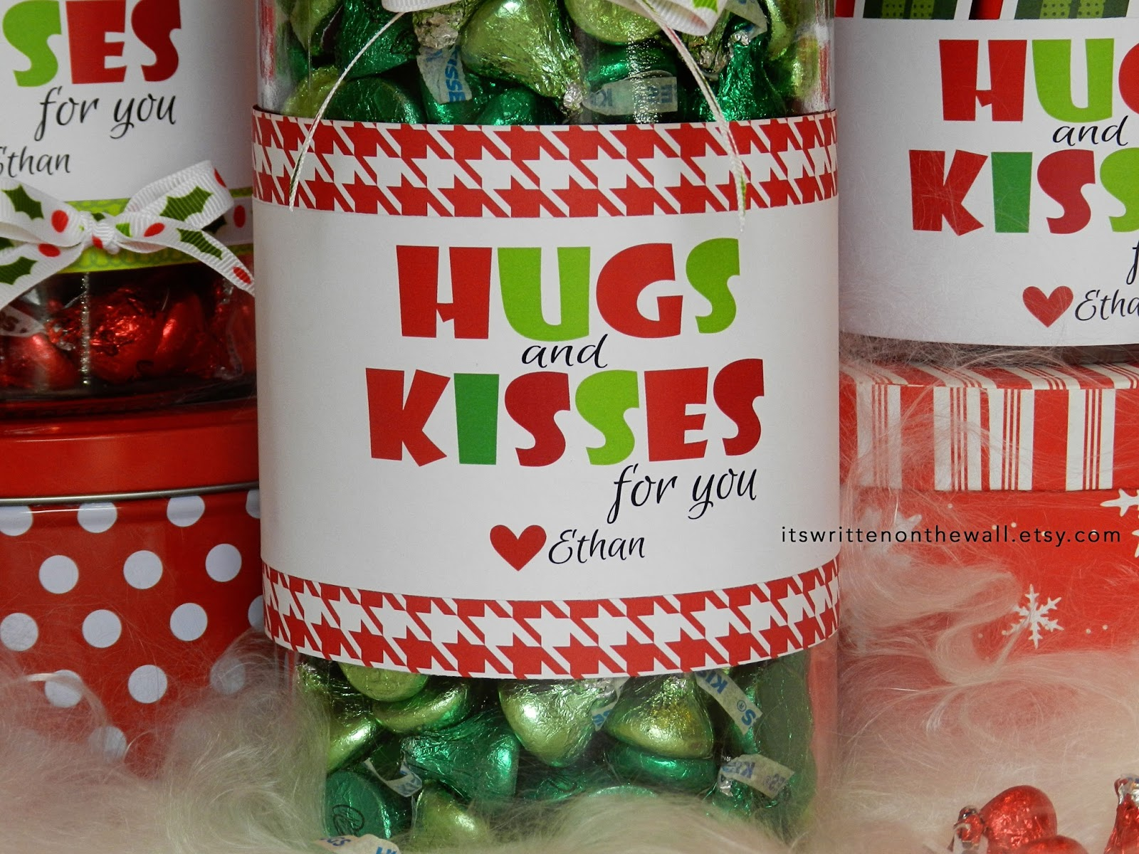 It\'s Written on the Wall: Christmas Hugs and Kisses - We\'ll ...