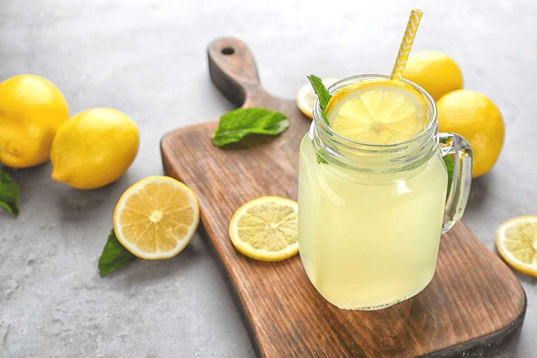 15 Benefícios do Suco de Limão à Saúde