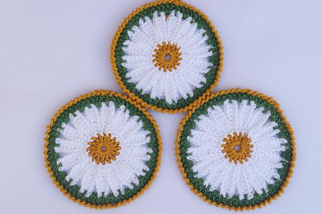 4 - Crochet Imagen Posavasos de margarita a crochet y ganchillo por Majovel Crochet