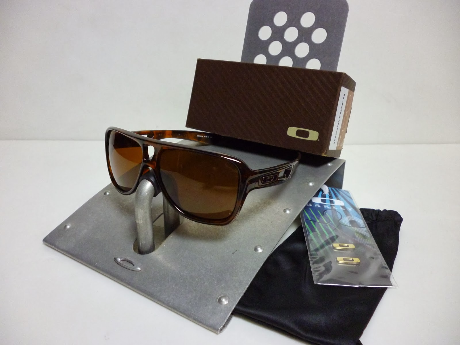 6167ef1717 Sam s Oakley Collection from SG Singapore  OAKLEY DISPATCH 2 ...