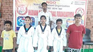 इंडियन केयर सोशल फाउंडेशन द्वारा बच्चों को भेंट किए गए यूनिफॉर्म, आत्मरक्षा के टिप्स भी बताए