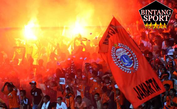 1. Supporter The Jakmania