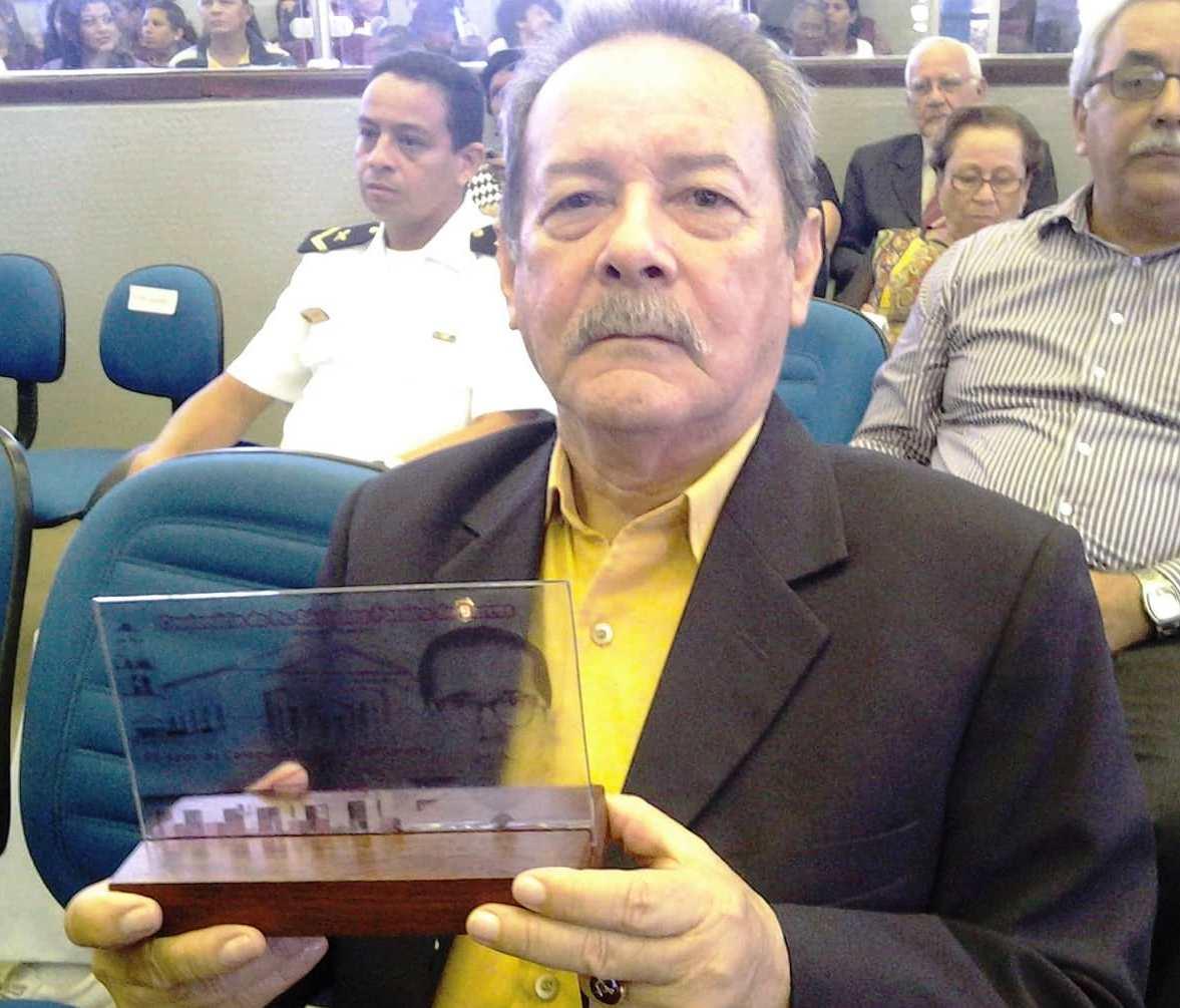 Covid-19 provoca a morte de professor aposentado e ex-vereador Raimundo Navarro